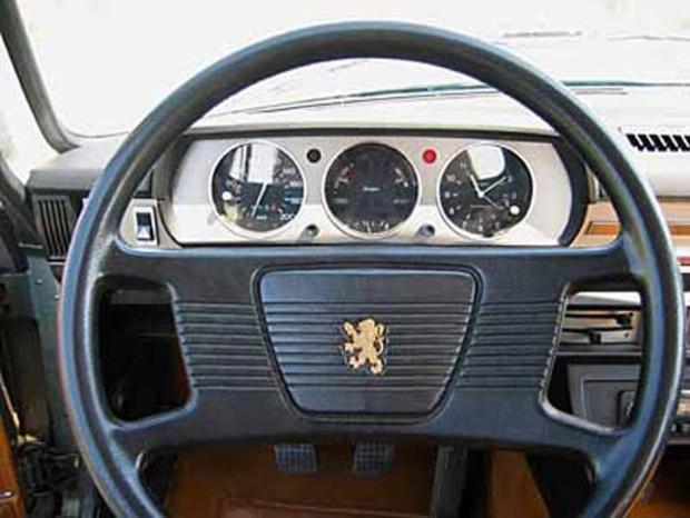 Peugeot 504 - unutrašnjost