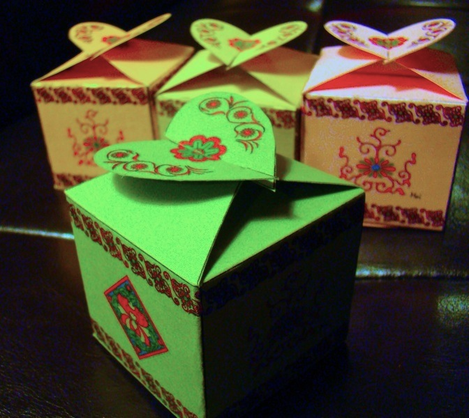 Decorative gift boxes (3/6)