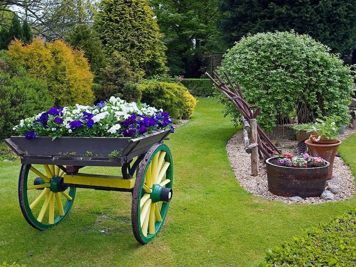 Fiori e giardino 1 e1592365032767