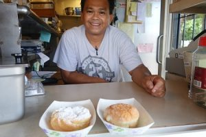 Jeff, Maui-Sada and cream puff
