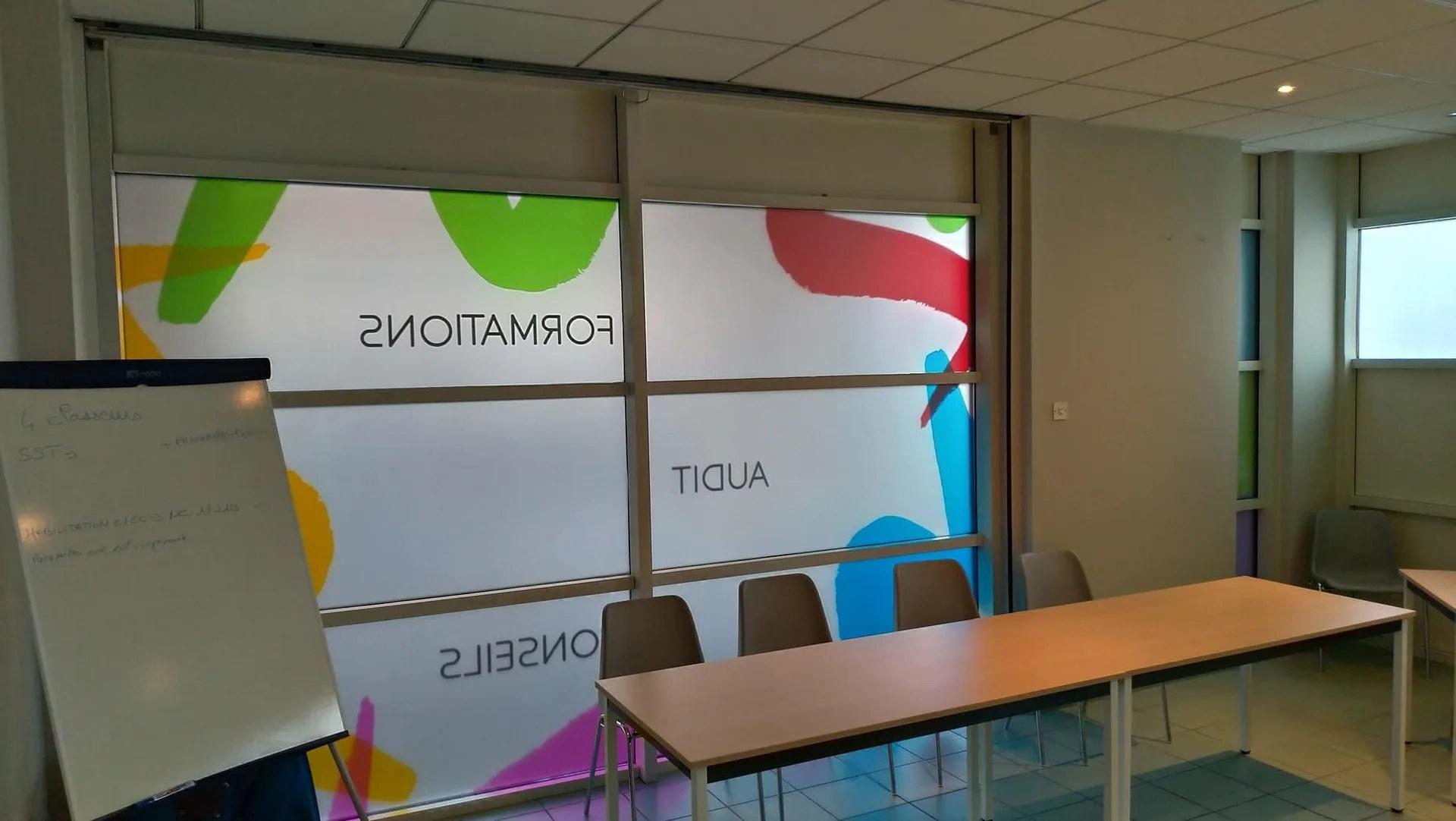 Agence Graphics Vitrophanie Adhesif Decoration Magasin Agence Formation Dax