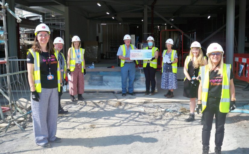 MALMESBURY LEAGUE OF FRIENDS PRESENTS £25,000 TOWARDS CT SCANNER IN NEW RADIOTHERAPY CENTRE