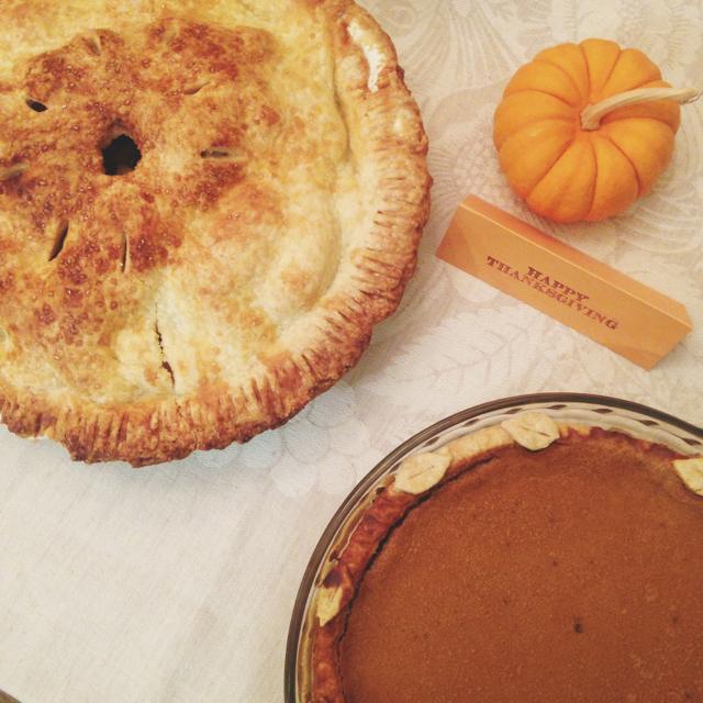 apple and pumpkin pie via M Loves M @Marmar