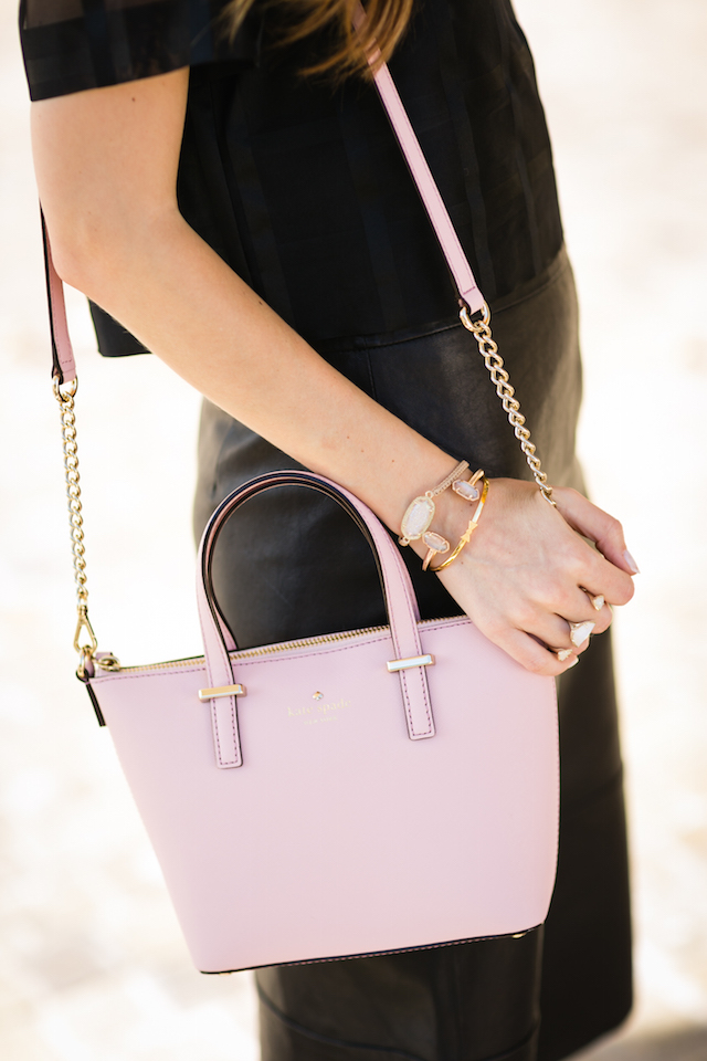 styling a blush pink bag with an all black outfit M Loves M @marmar