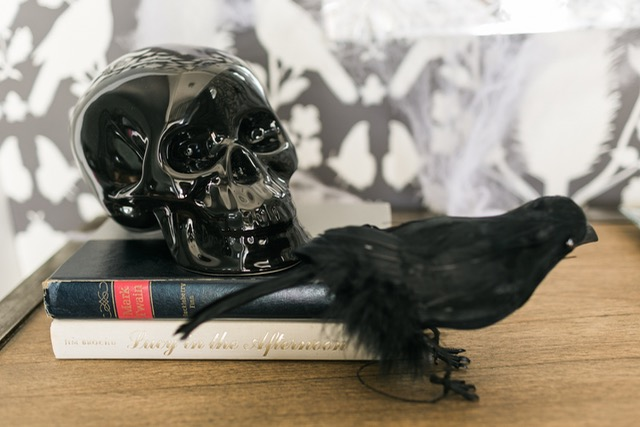 black skull and crow for halloween M Loves M @marmar