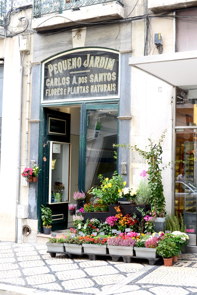 the cutest flower shop in Lisbon Portugal M Loves M @marmar