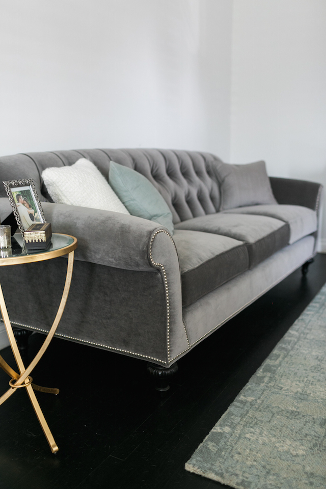 designing a sitting room with a gray chesterfield style sofa M Loves M @marmar