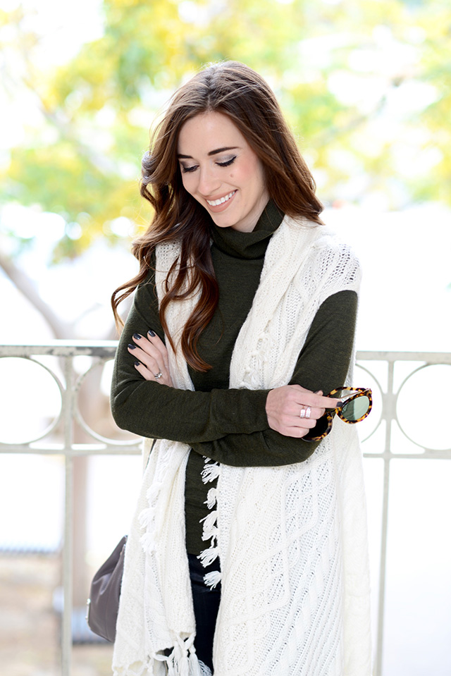 ivory cashmere sweater vest with turtleneck M Loves M