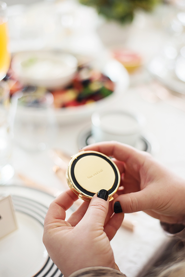 gift idea for bridesmaids: cute compact mirrors that they can take everywhere - M Loves M