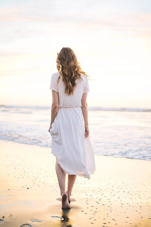 white flowy dress that's perfect for spring and summer