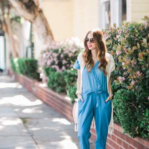 a feminine and utilitarian outfit for spring