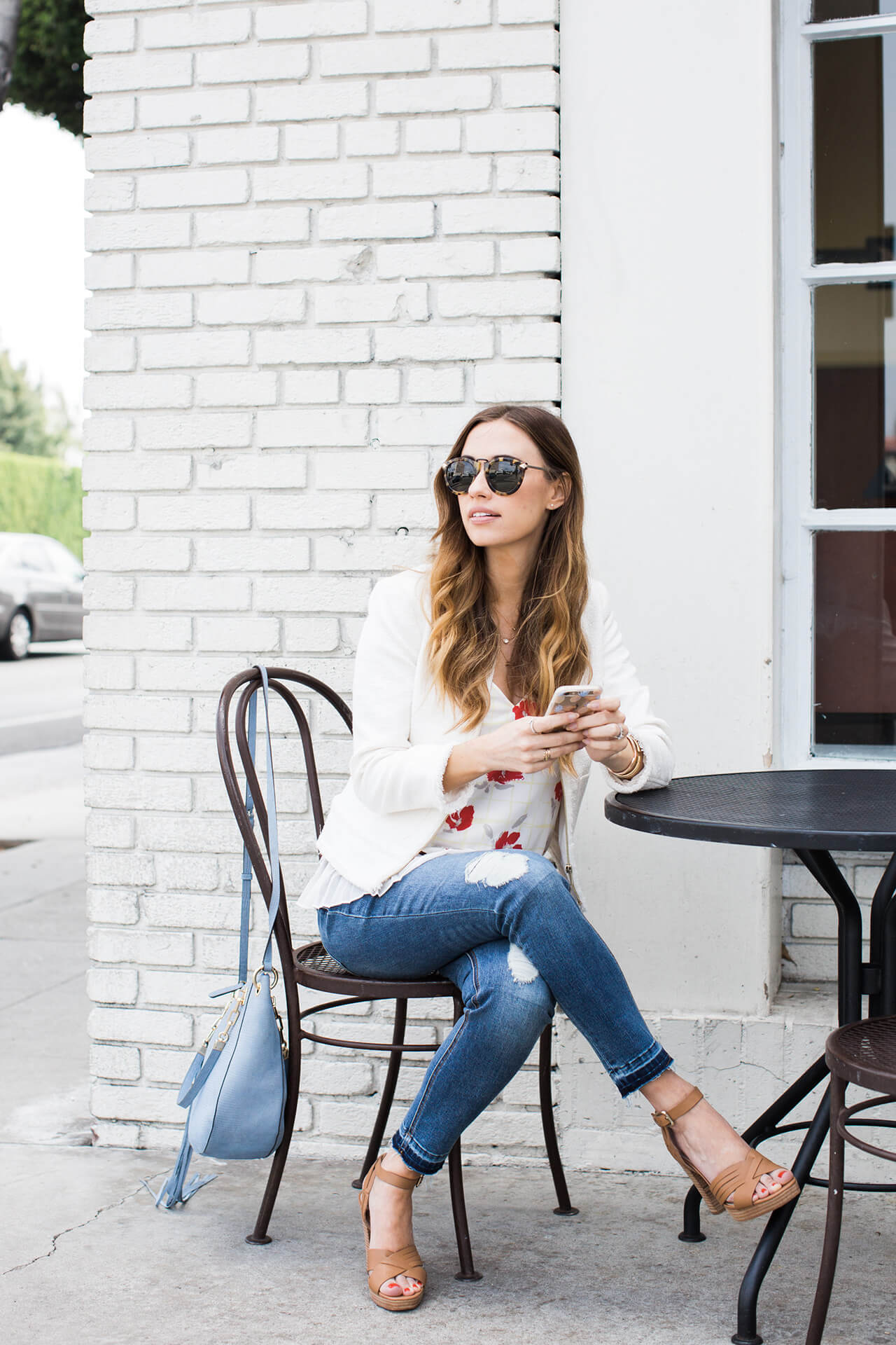 california casual outfit with tank, distressed jeans and heels