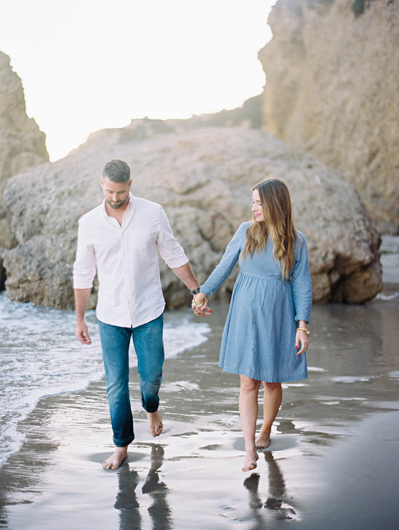 couple shoot inspiration at the beach
