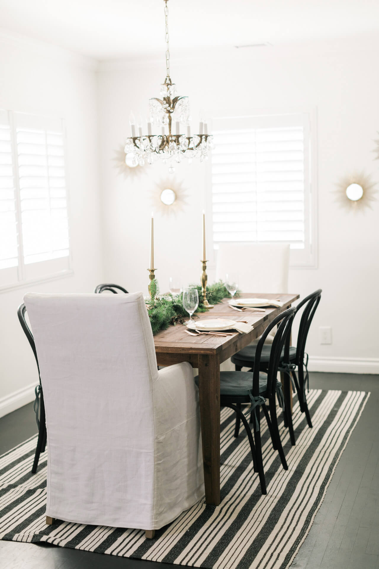 M Loves M dining room- vintage chandelier and rustic wood table