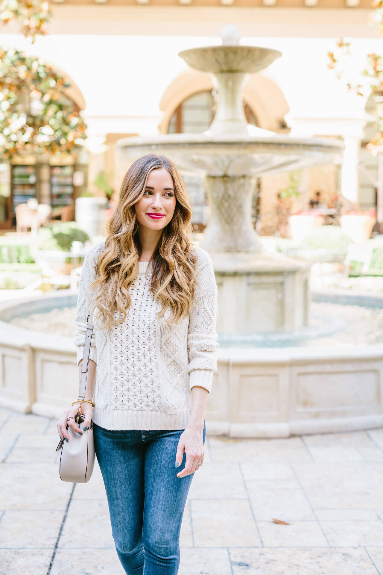 casual fall in california outfit