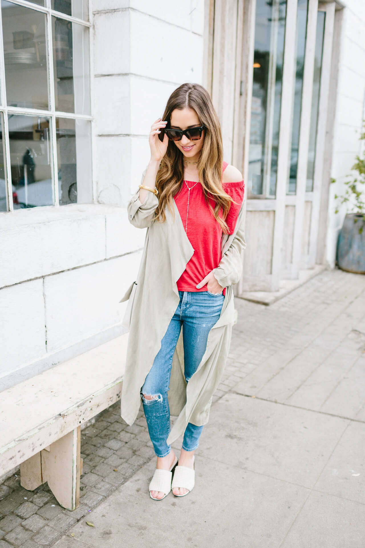 an easy way to update your jeans and t-shirt outfit