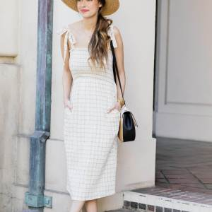 Easy way to update your summer wardrobe with a straw hat
