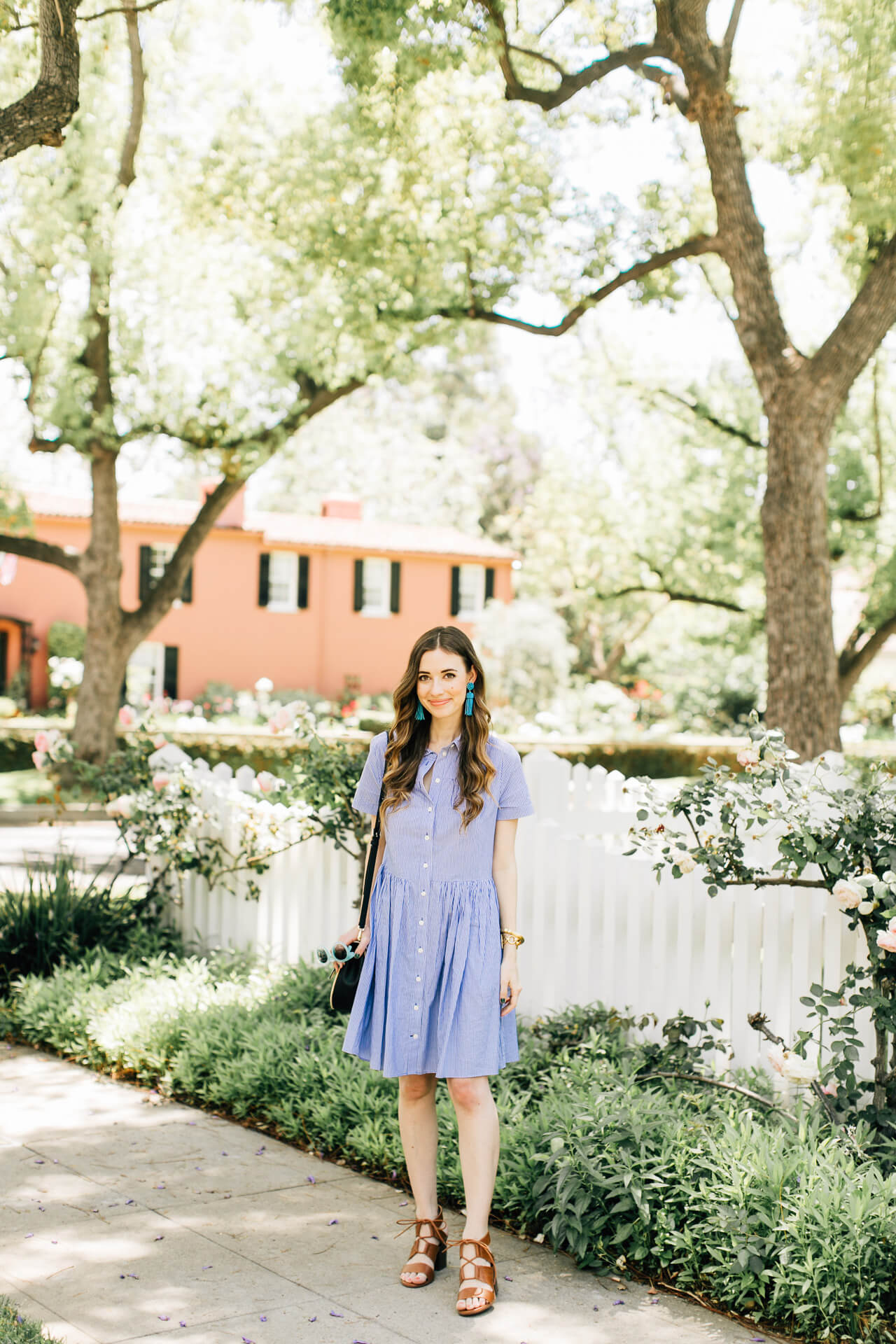 blue and white outfit inspiration for spring