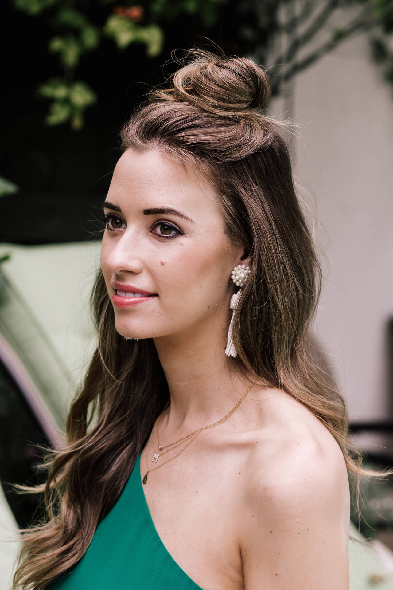 relaxed hair style and makeup for a summer wedding- M Loves M @marmar