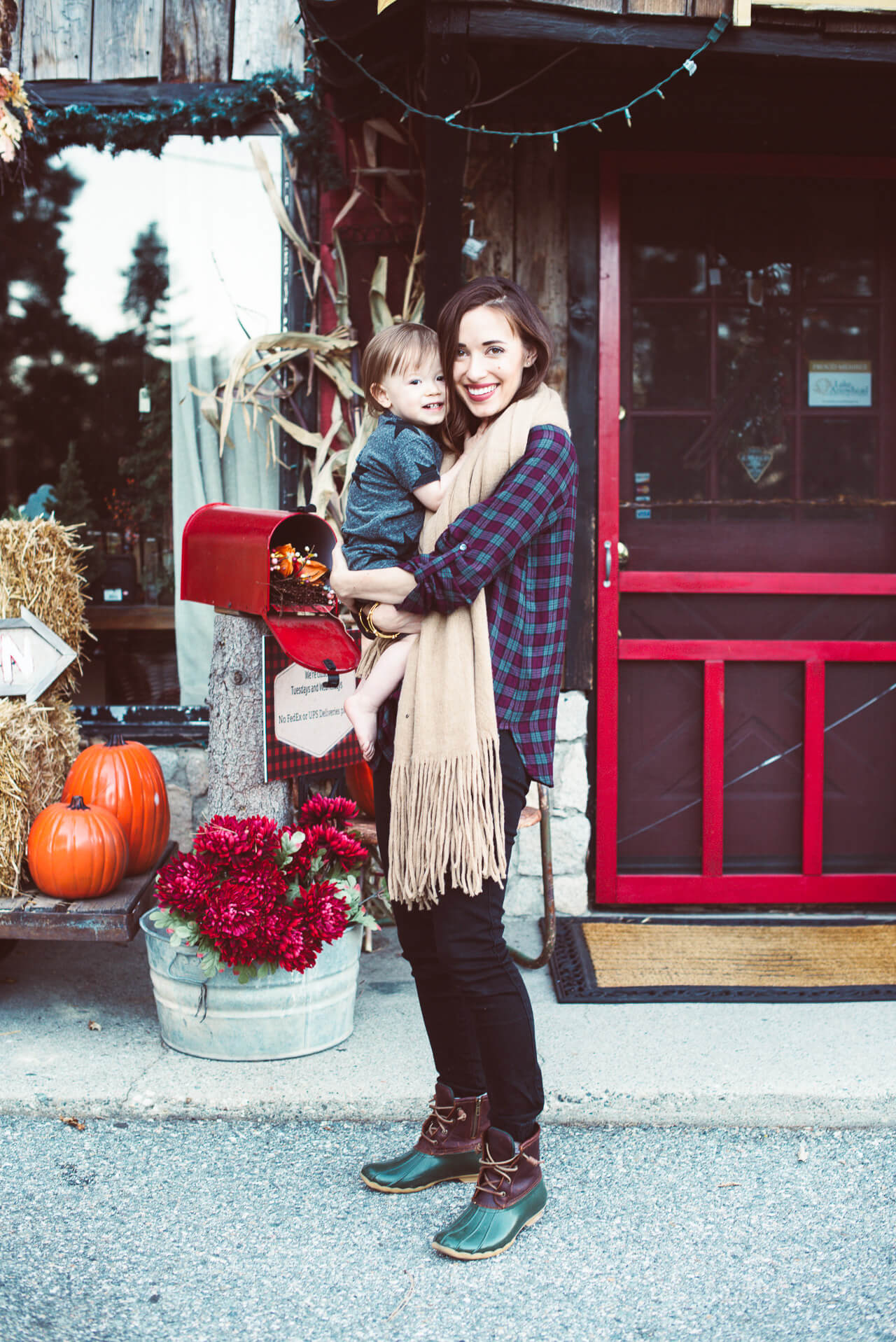 How to dress for fall while on vacation | M Loves M -@marmar