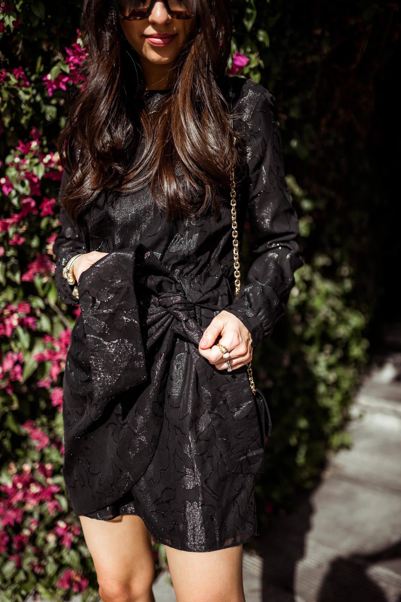 love the hidden details of this little black dress - M Loves M @marmar