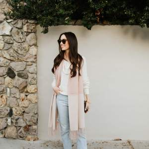 love this two-tone scarf for winter. Looks so good with the white turtleneck and the light wash mom jeans - M Loves M @marmar