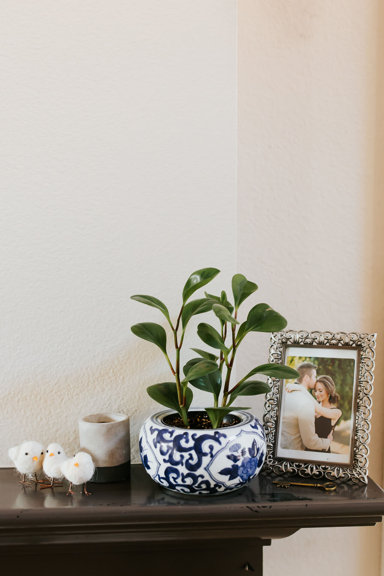 easy mantle styling ideas for spring or easter