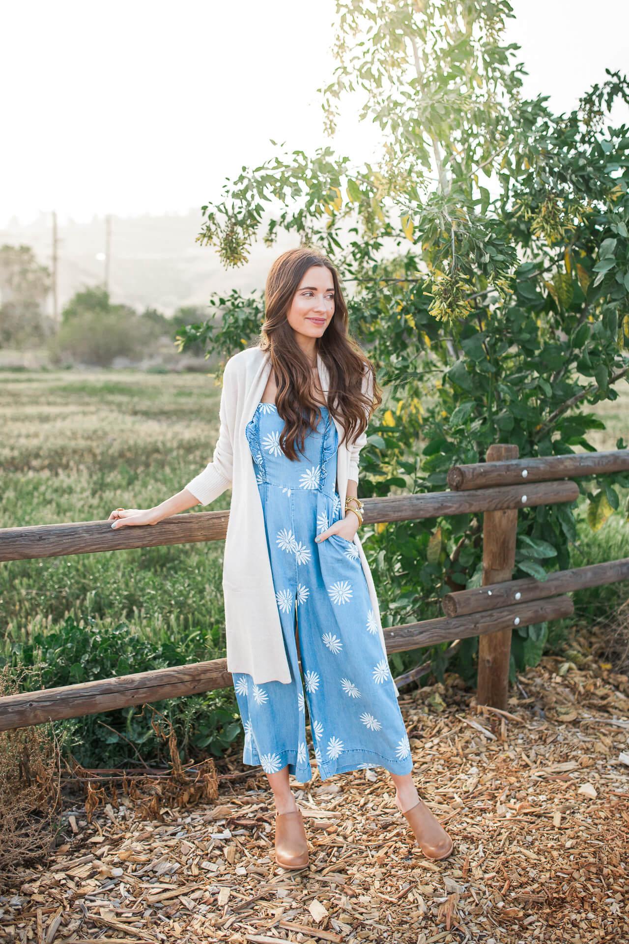 a boho feminine outfit for spring on OC fashion blogger M Loves M @marmar