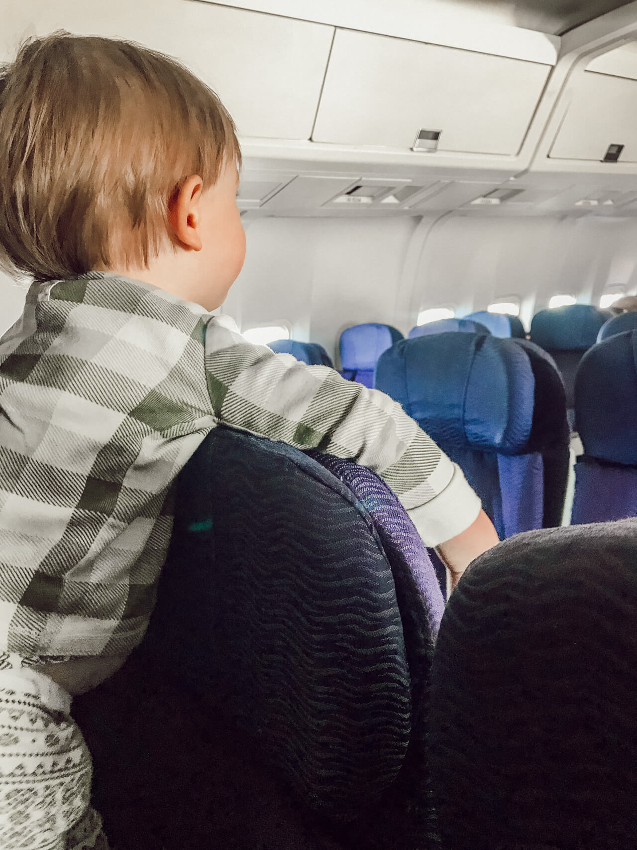 ways to make flying with kids a little easier