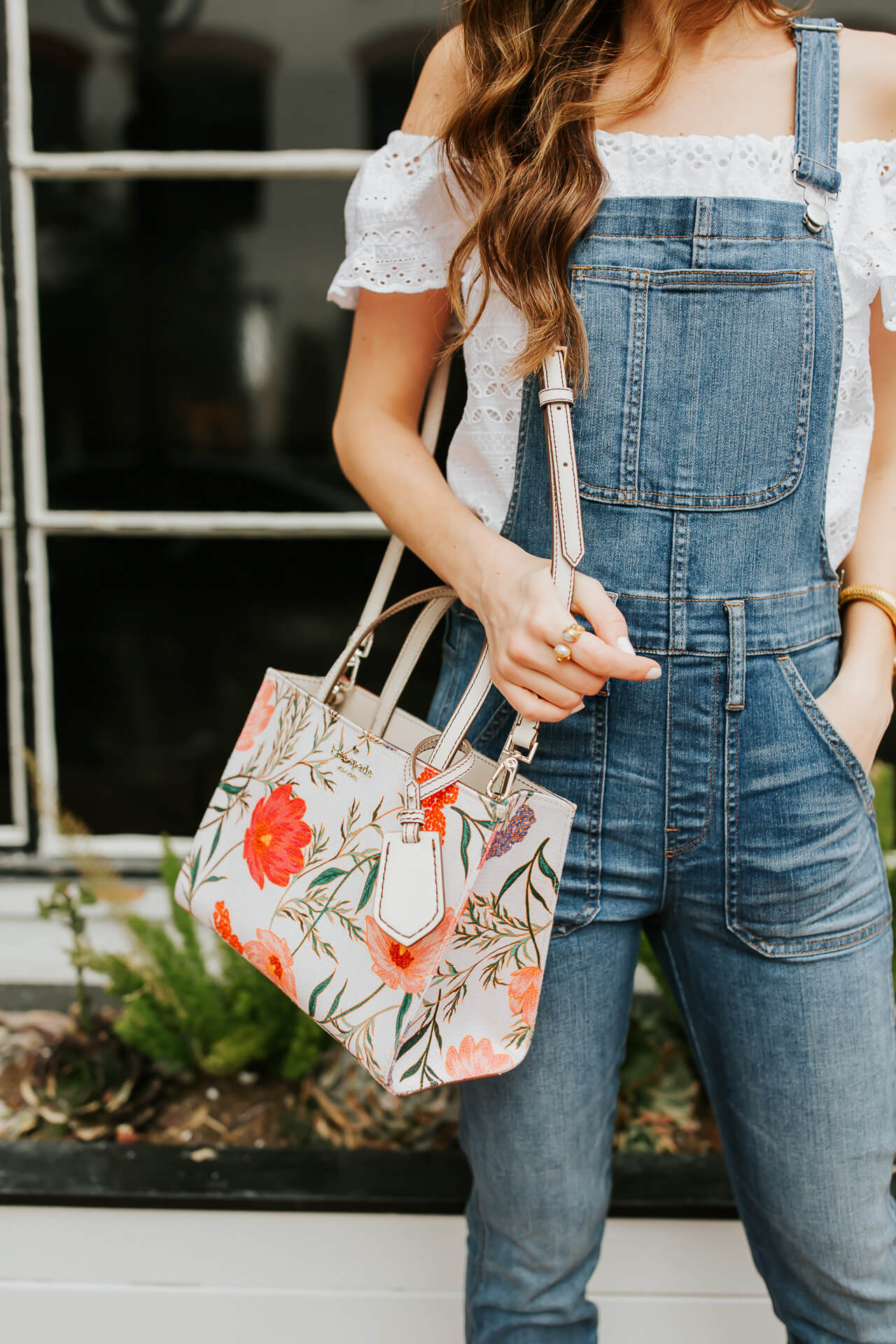 I love Kate Spade handbags! They are always such good quality and come in the prettiest prints and colors!   M Loves M @marmar