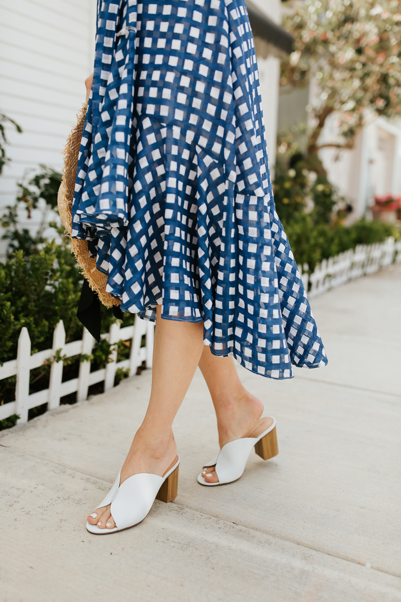 These white mules pair so perfectly with this blue checkered dress! | M Loves M @marmar