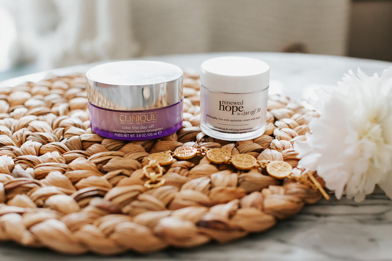 Some of my favorite moisturizing tips, tricks, and products! M Loves M @marmar