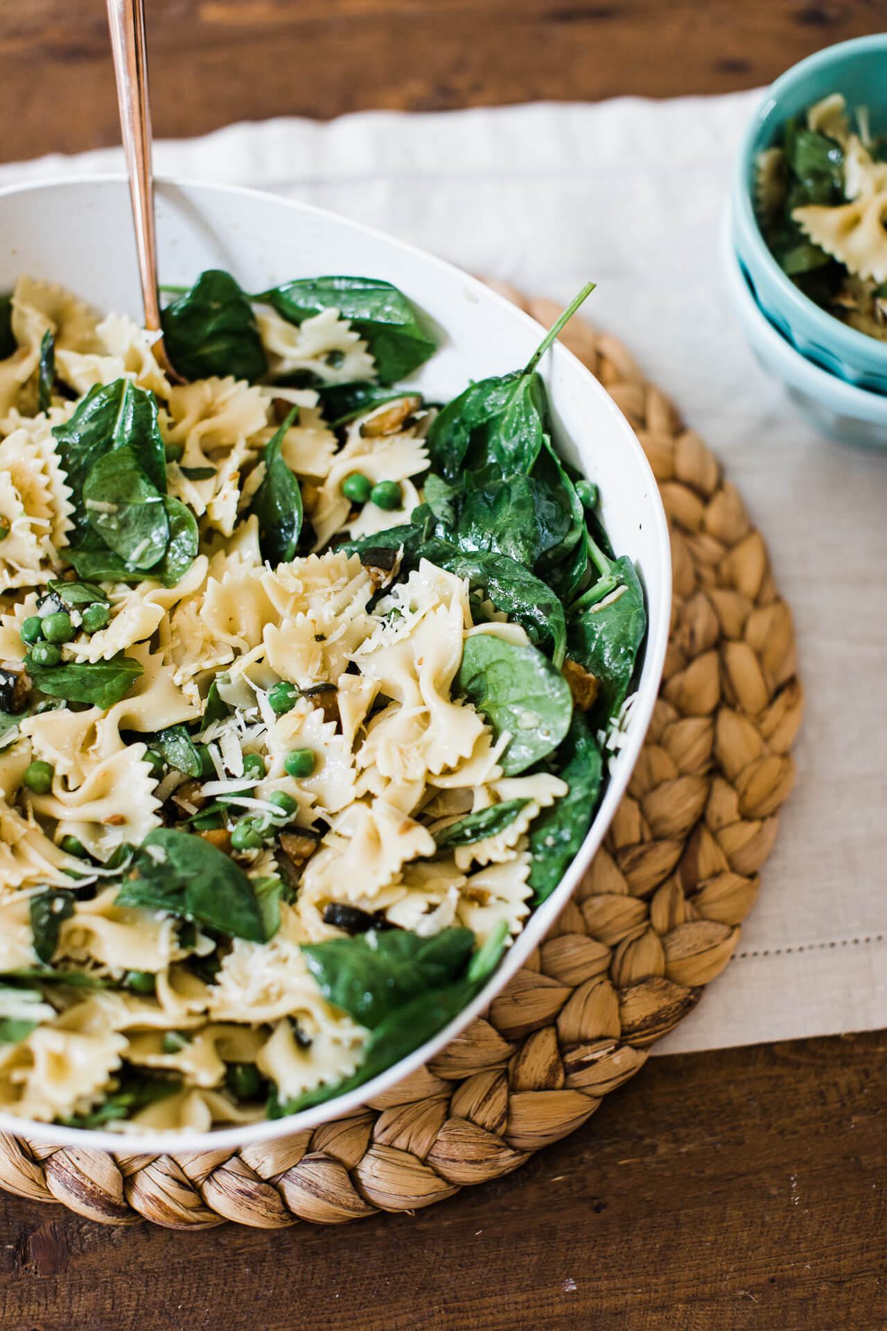 I love this easy summer pasta salad recipe! | M Loves M @marmar