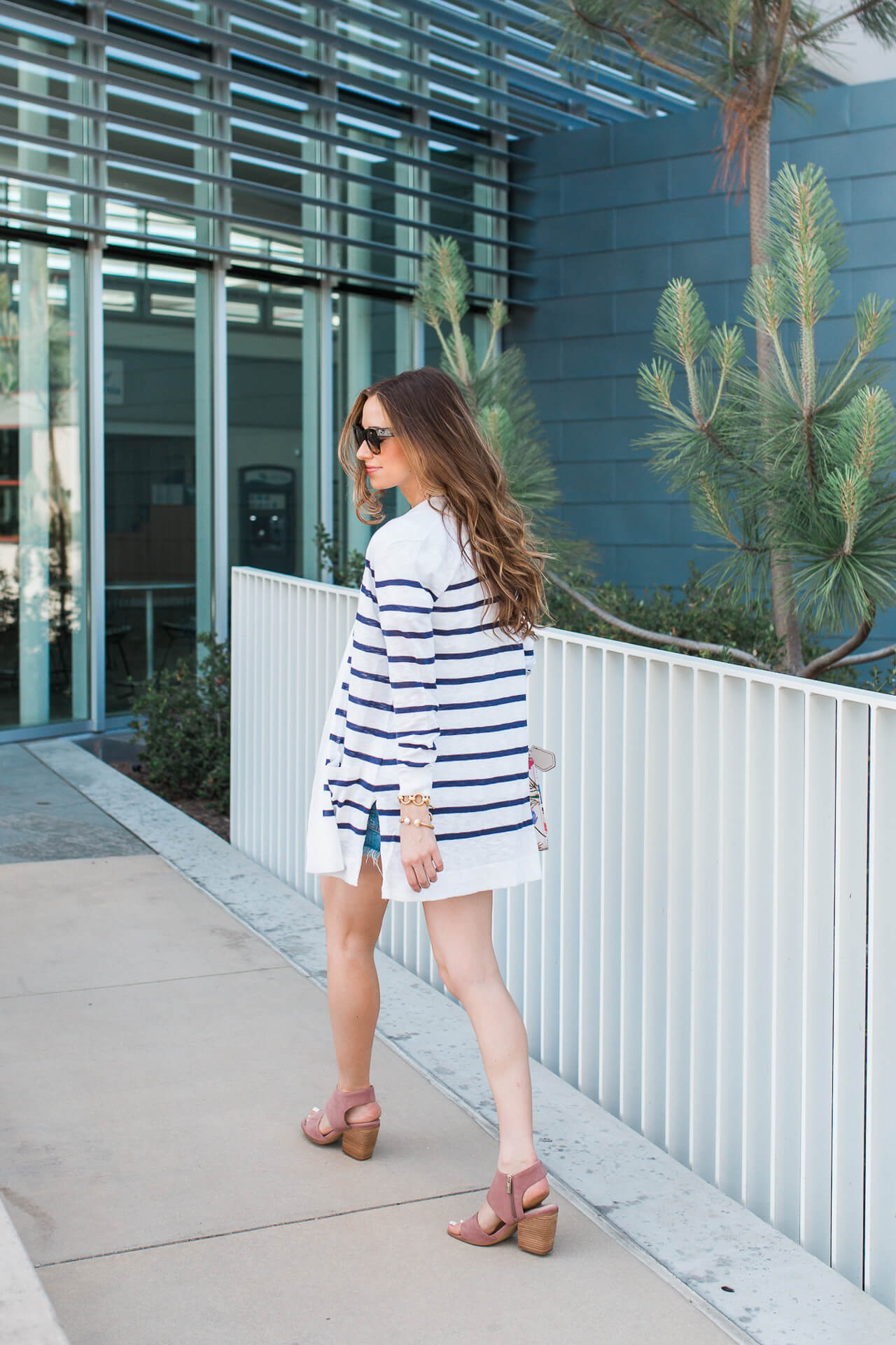 How to style denim cutoffs as an adult! | M Loves M @marmar