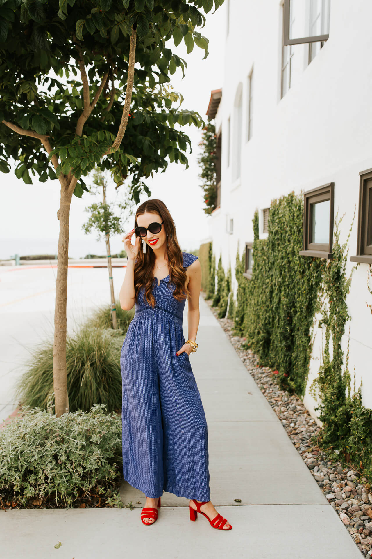 This blue jumpsuit is such an easy summer outfit! | M Loves M @marmar