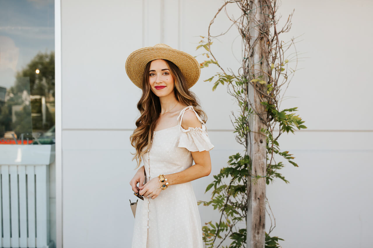 This white and black polkadot dress is so chic! | M Loves M @marmar