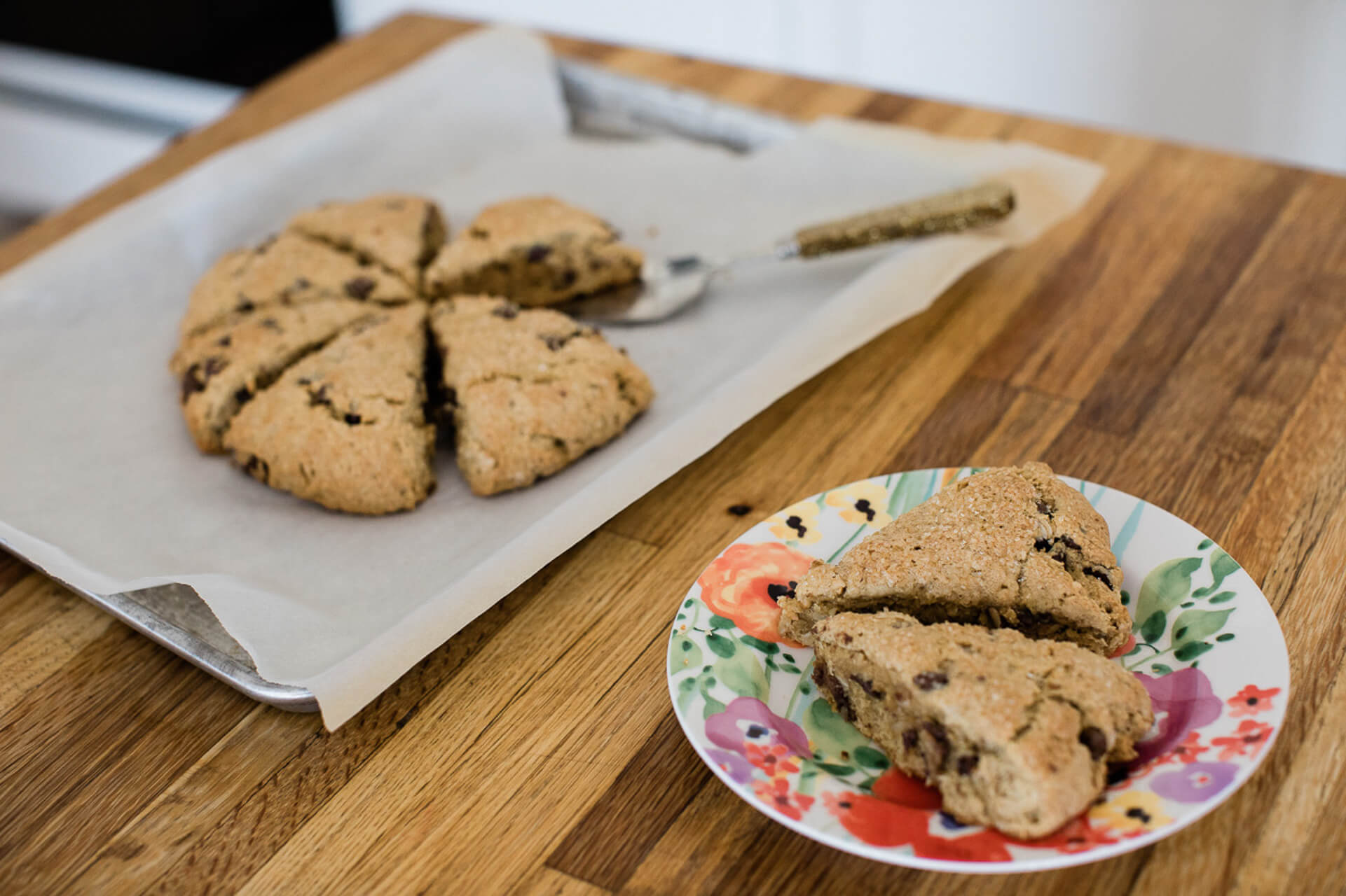This peanut butter scones recipe is so delicious! | M Loves M @marmar