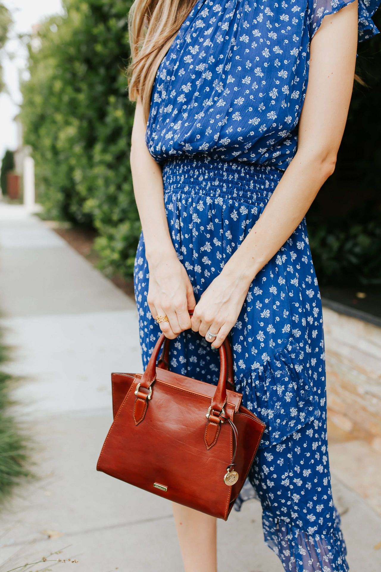 This is the perfect brown work bag! | M Loves M @marmar