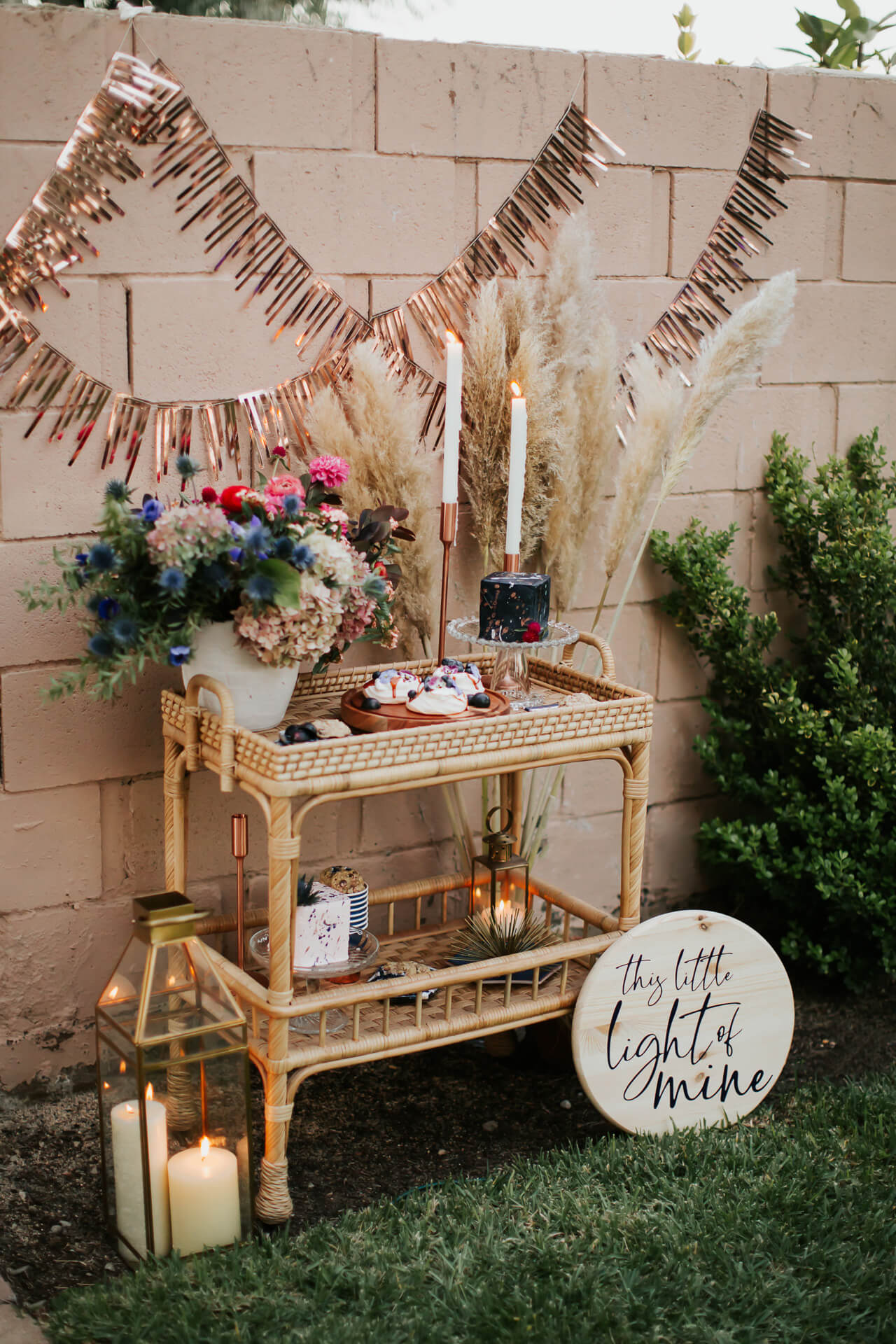 a feminine navy and rose gold gender reveal party - M Loves M @marmar