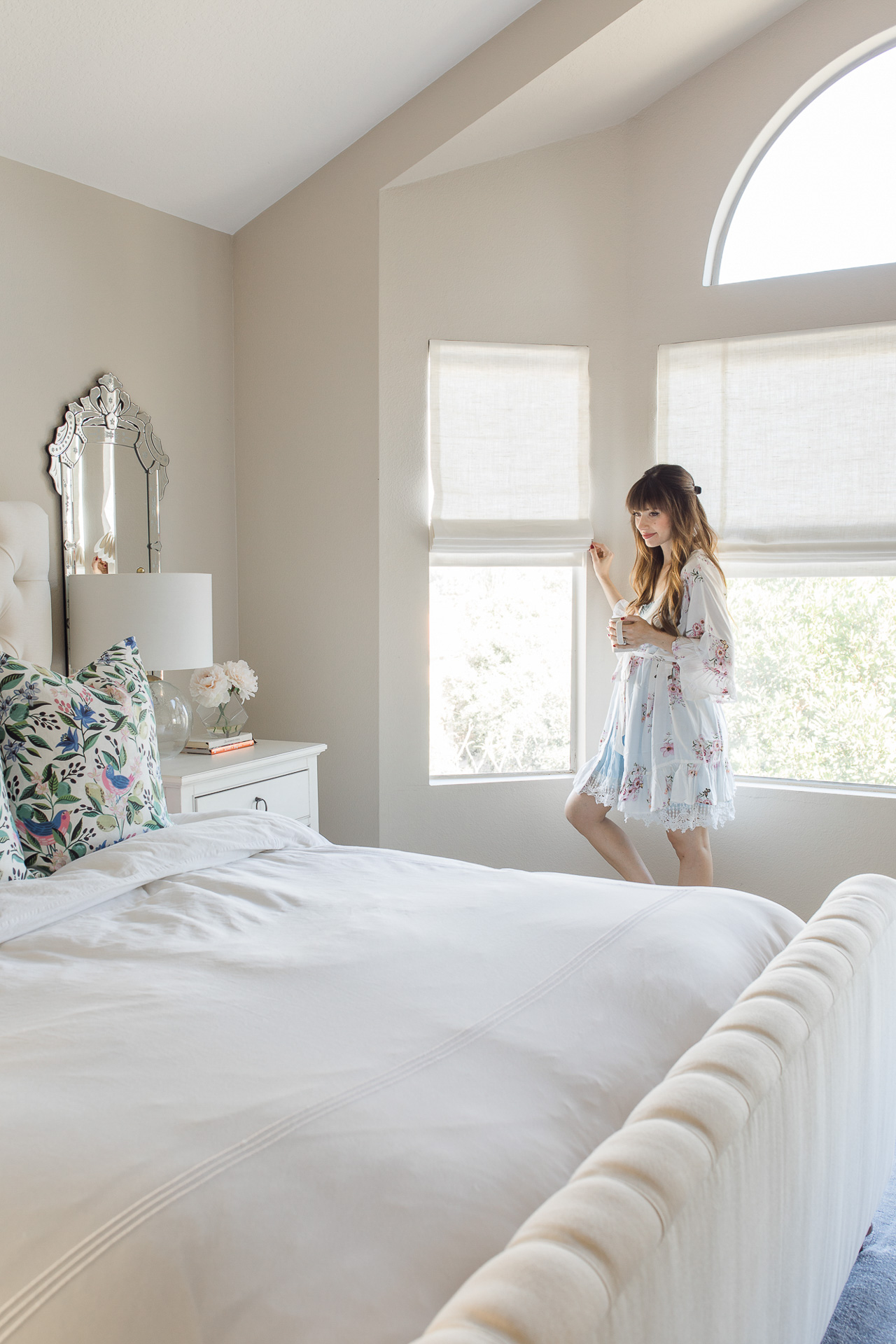 I love an all-white bedroom design! - M Loves M @marmar