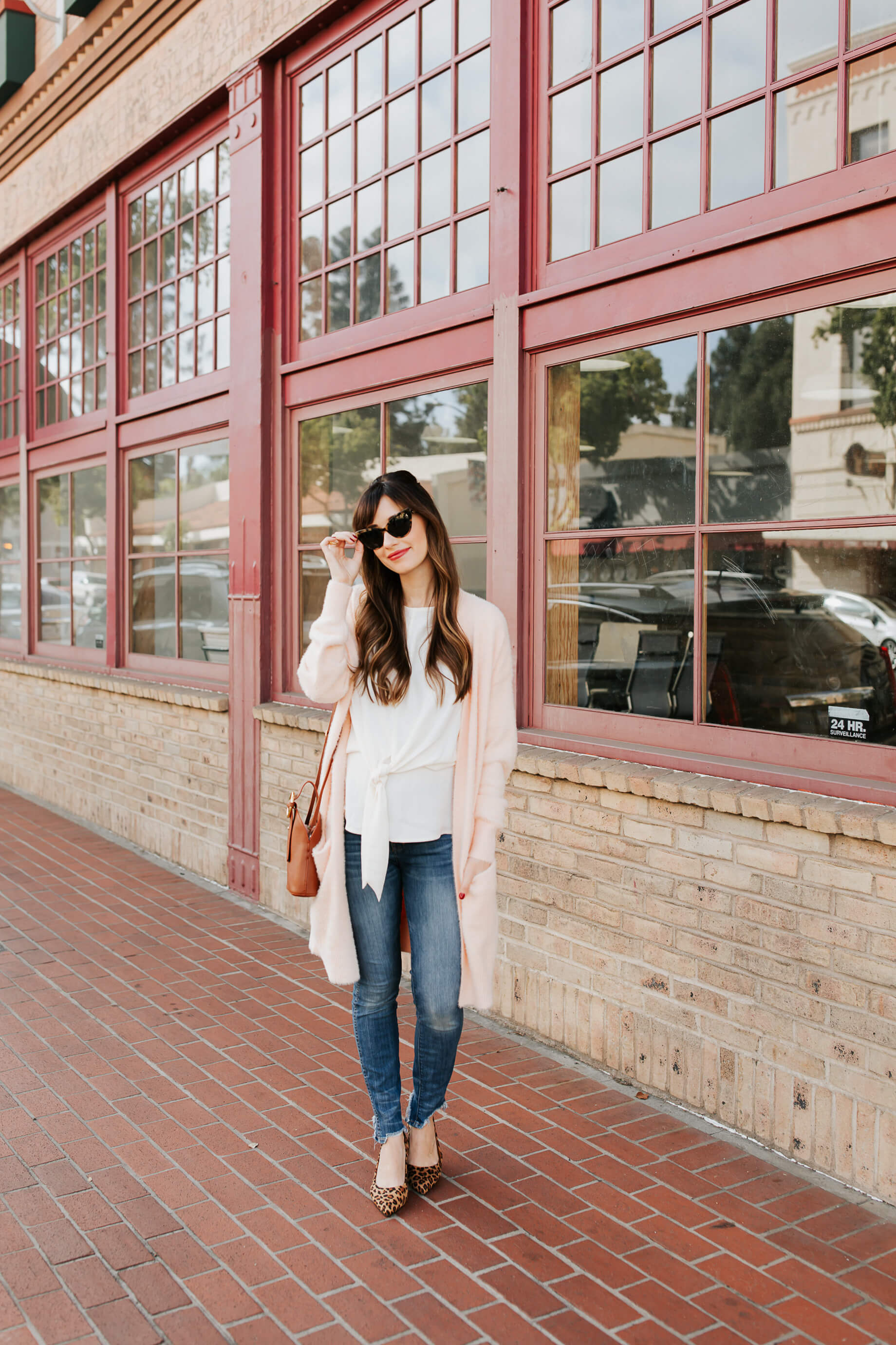 I am so obsessed with this casual work wear outfit inspiration! - M Loves M @marmar