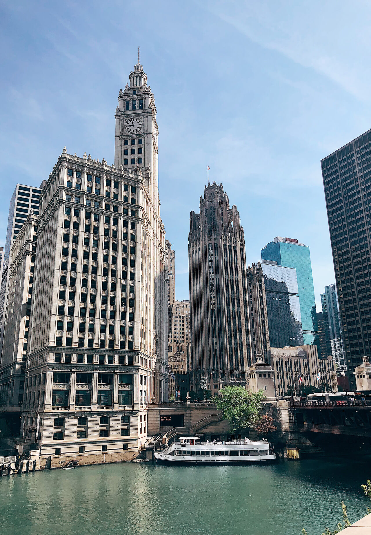 Look at these gorgeous Chicago river views! - M Loves M @marmar
