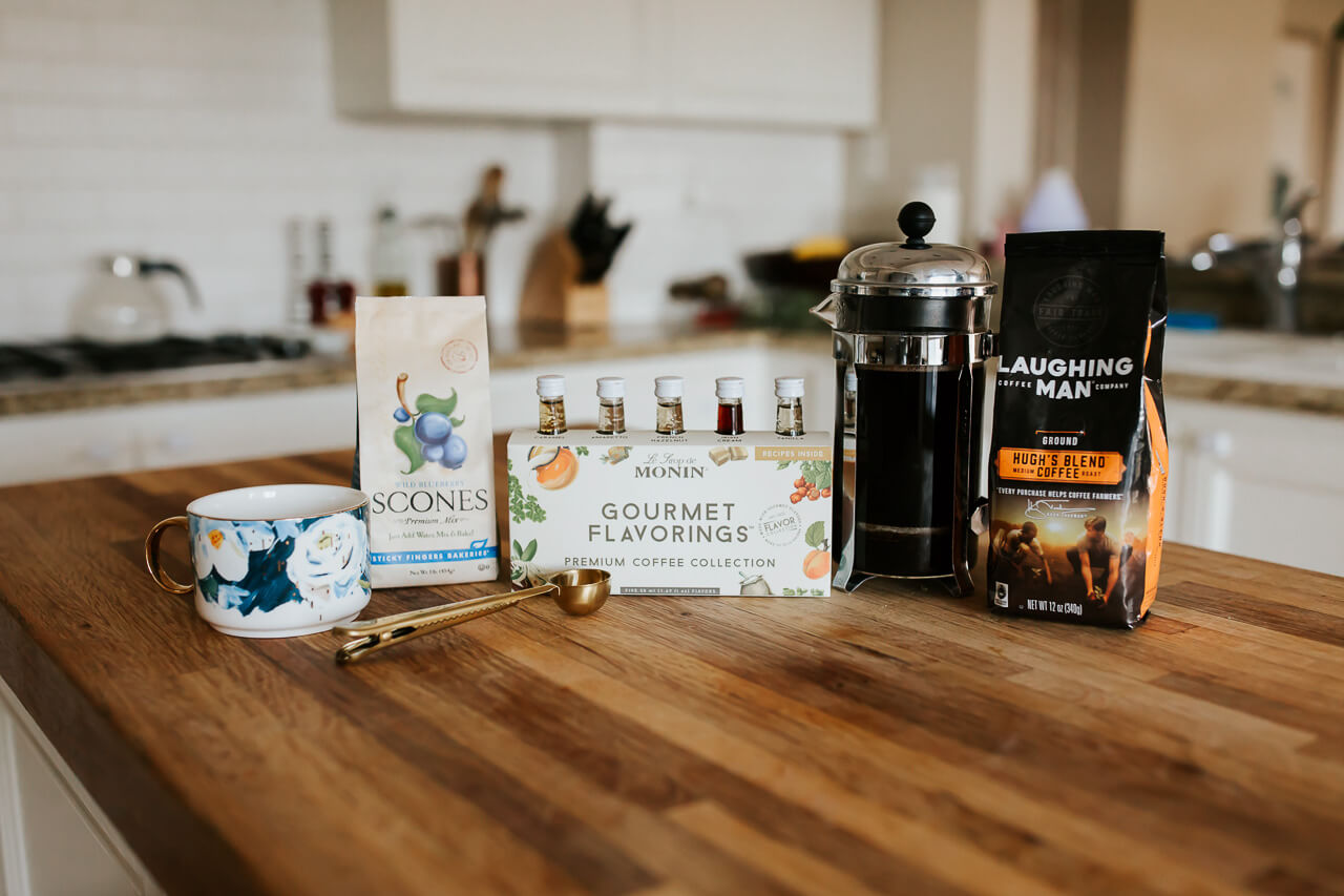 How cute is this coffee lover gift set?! - M Loves M @marmar