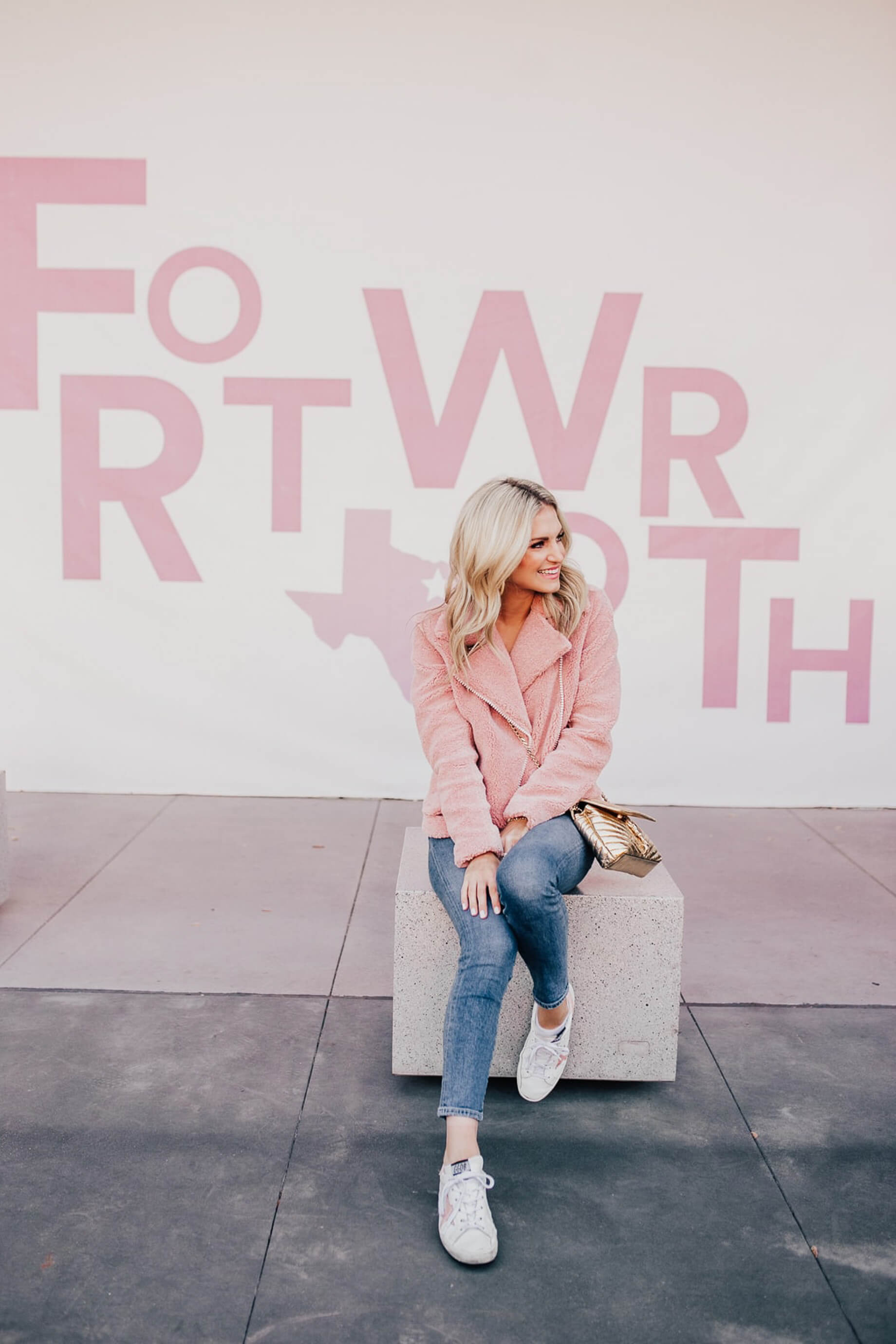 Katey McFarlan Hellman is a blogger in Fort Worth Texas! - M Loves M @marmar