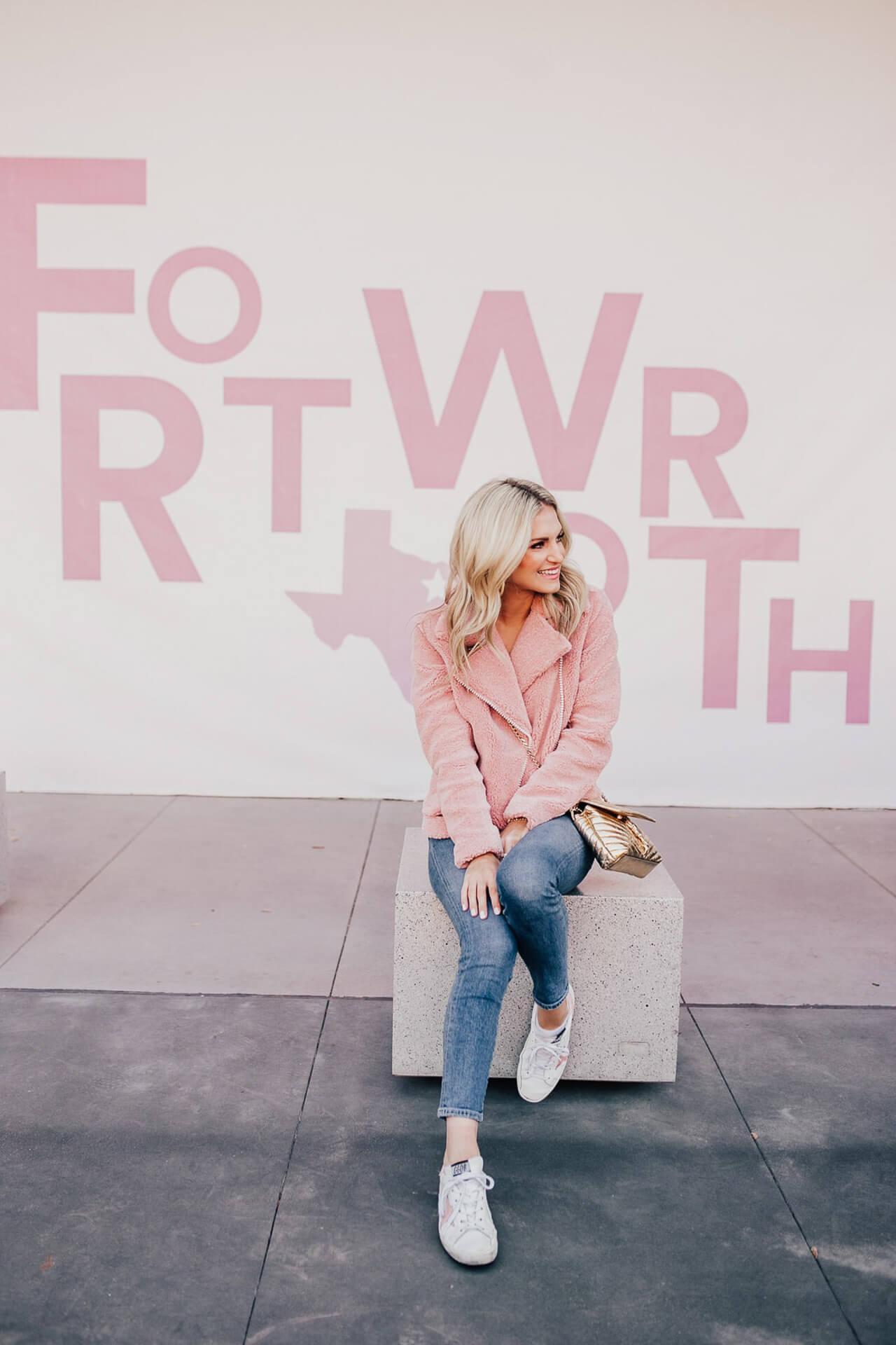 Katey McFarlan Hellman is a blogger in Fort Worth Texas! - M Loves M @marmar