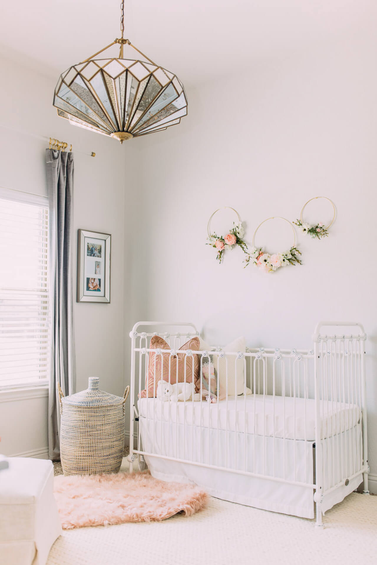 This art deco decor for a baby nursery is so chic!- M Loves M @marmar