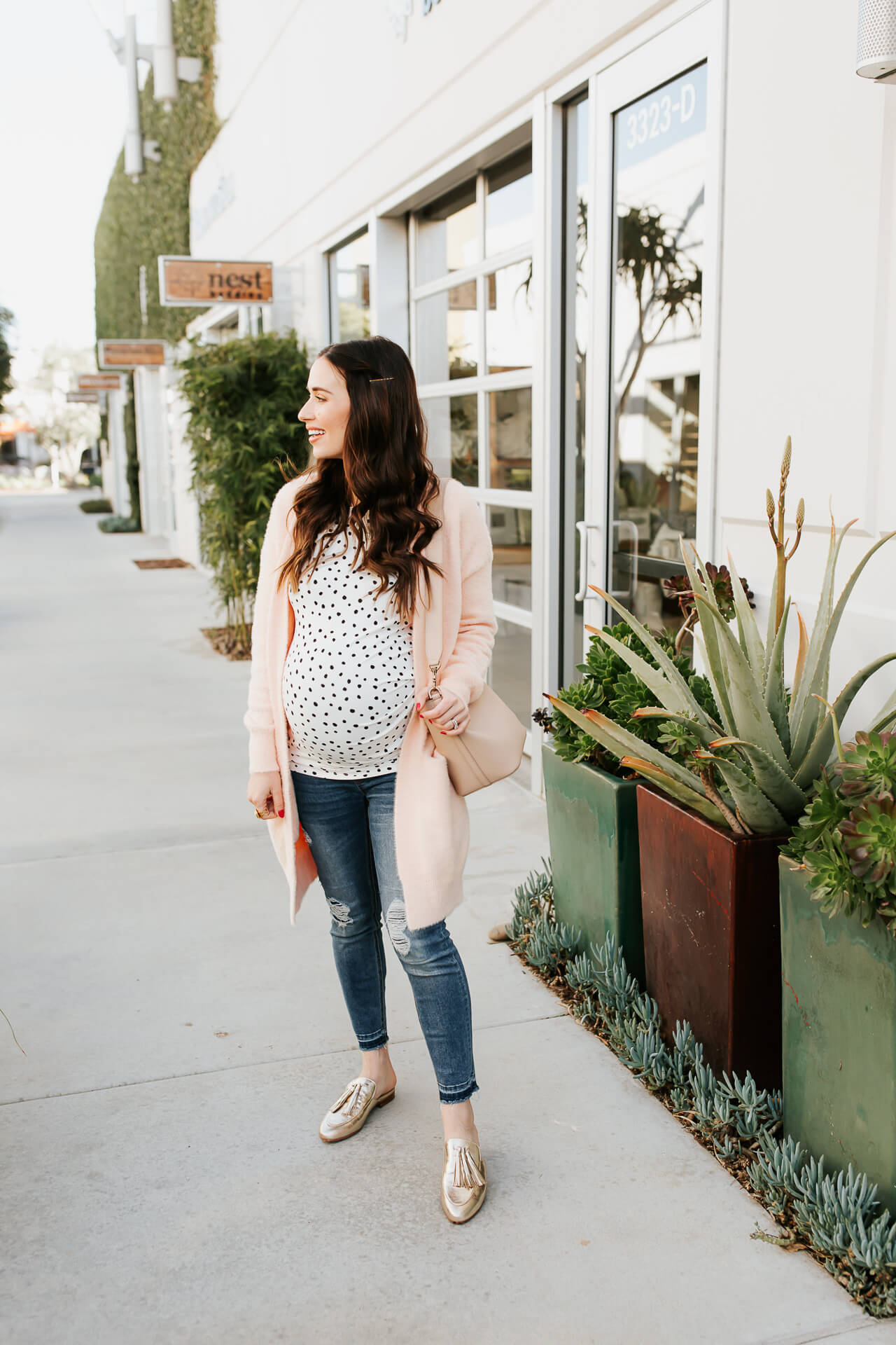I love a polka dot top paired with jeans! - M Loves M @marmar