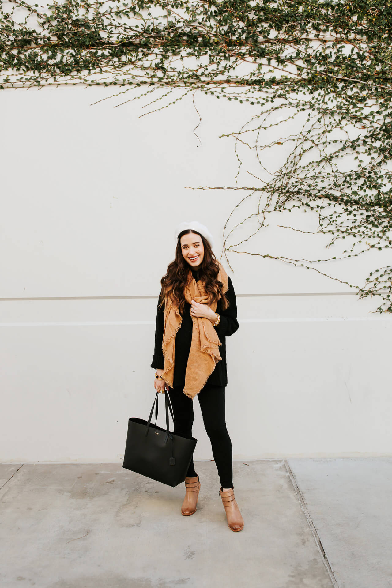 An easy maternity outfit for winter! - M Loves M @marmar