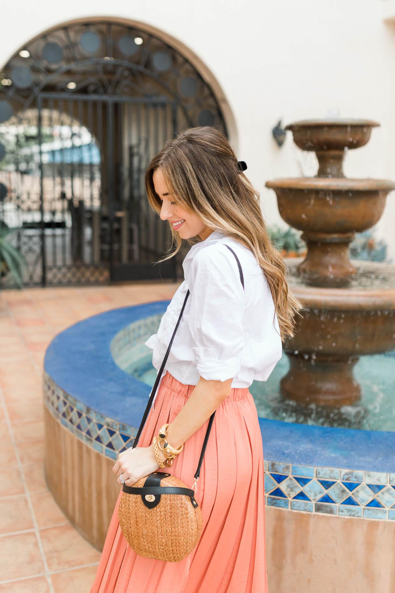 I love a classic white linen shirt! - M Loves M @marmar