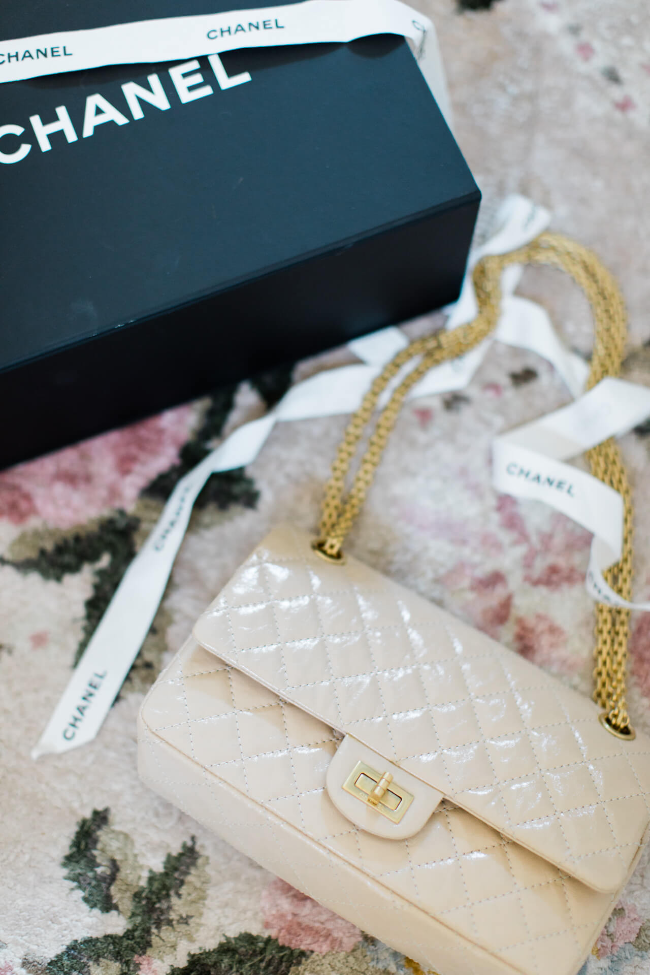 A dreamy cream Chanel quilted handbag! - M Loves M @marmar